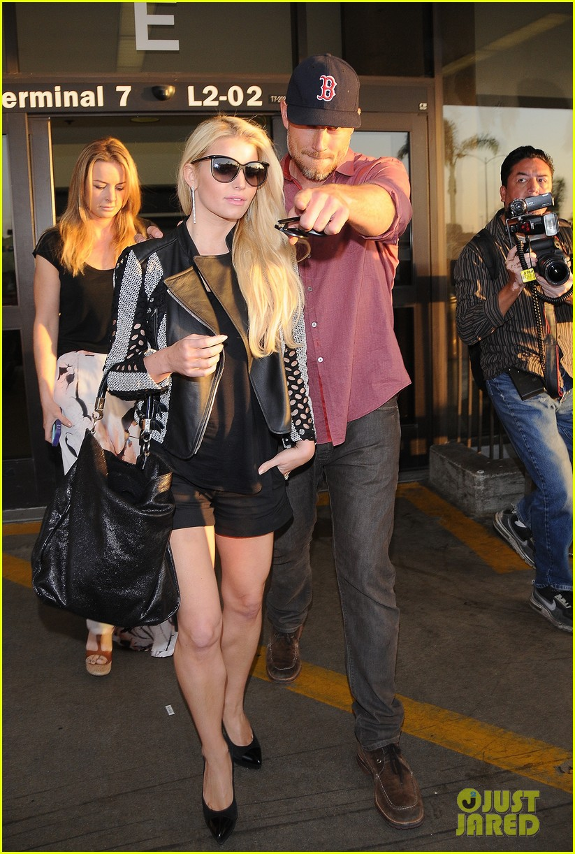 jessica simpson is one leggy lady after the white house dinner 073105433