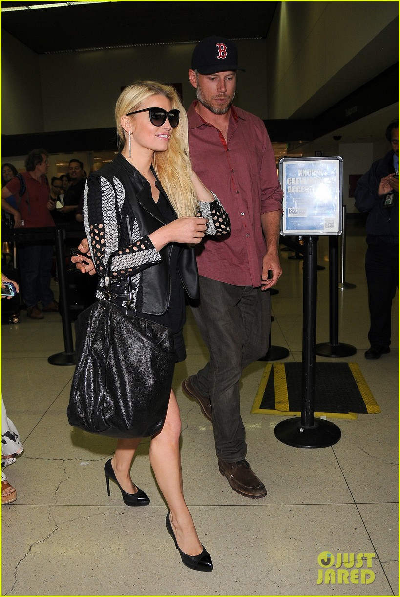 jessica simpson is one leggy lady after the white house dinner 083105434