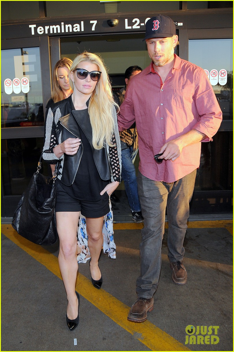 jessica simpson is one leggy lady after the white house dinner 093105435