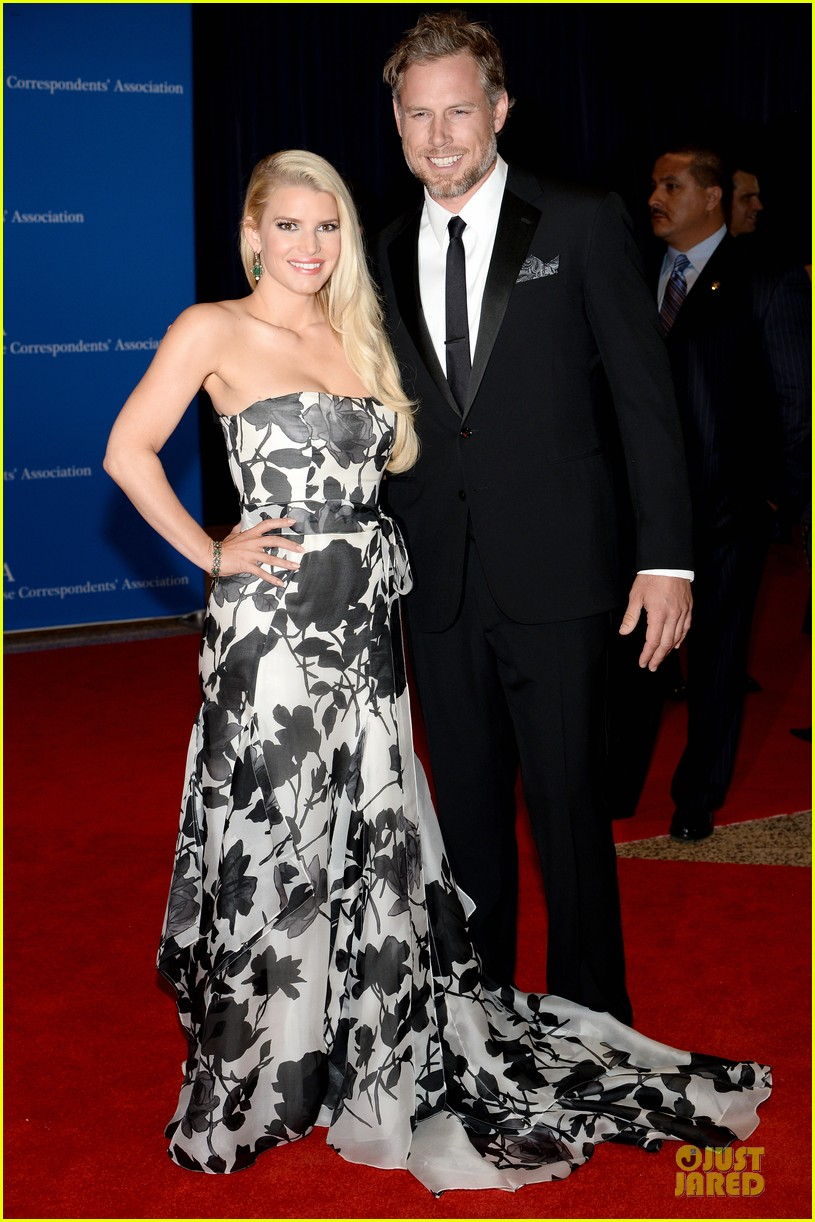 jessica simpson eric johnson white house correspondents dinner 2014 093104638