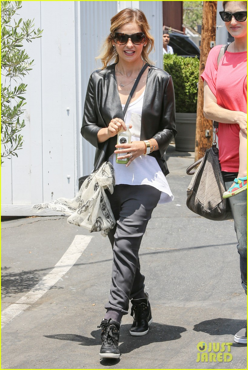 sarah michelle gellar being a mother is my number one job 033120463