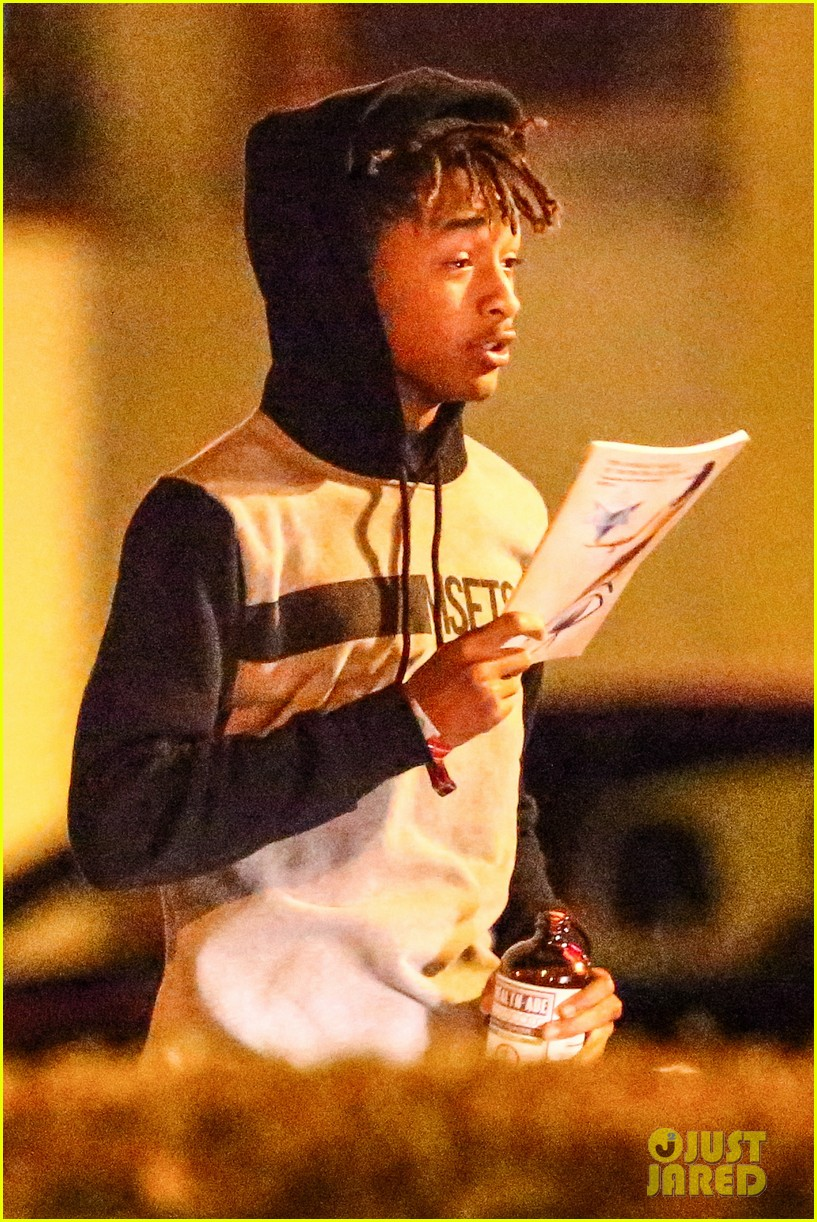 jaden smith grabs dinner with moises arias 023107801