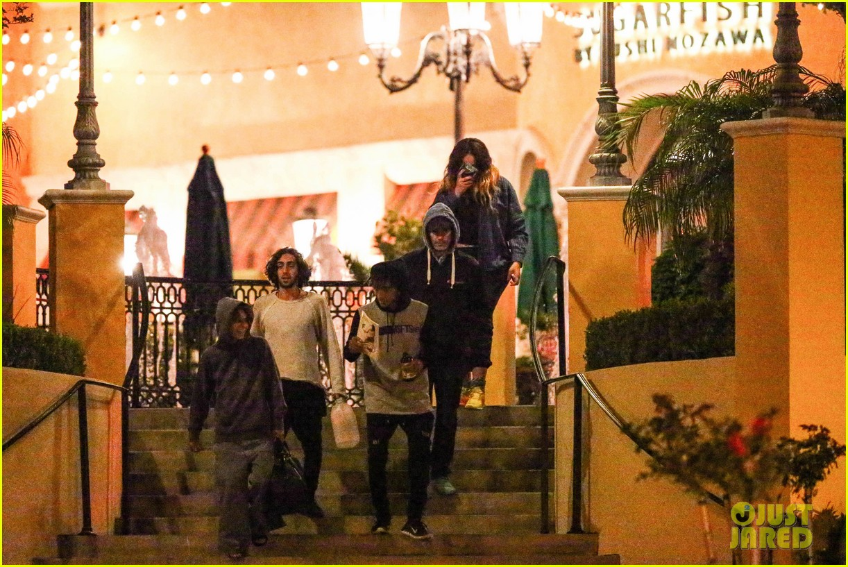 jaden smith grabs dinner with moises arias 073107806