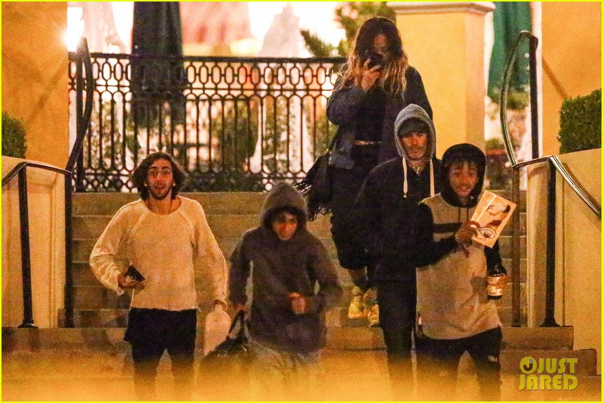 jaden smith grabs dinner with moises arias 083107807