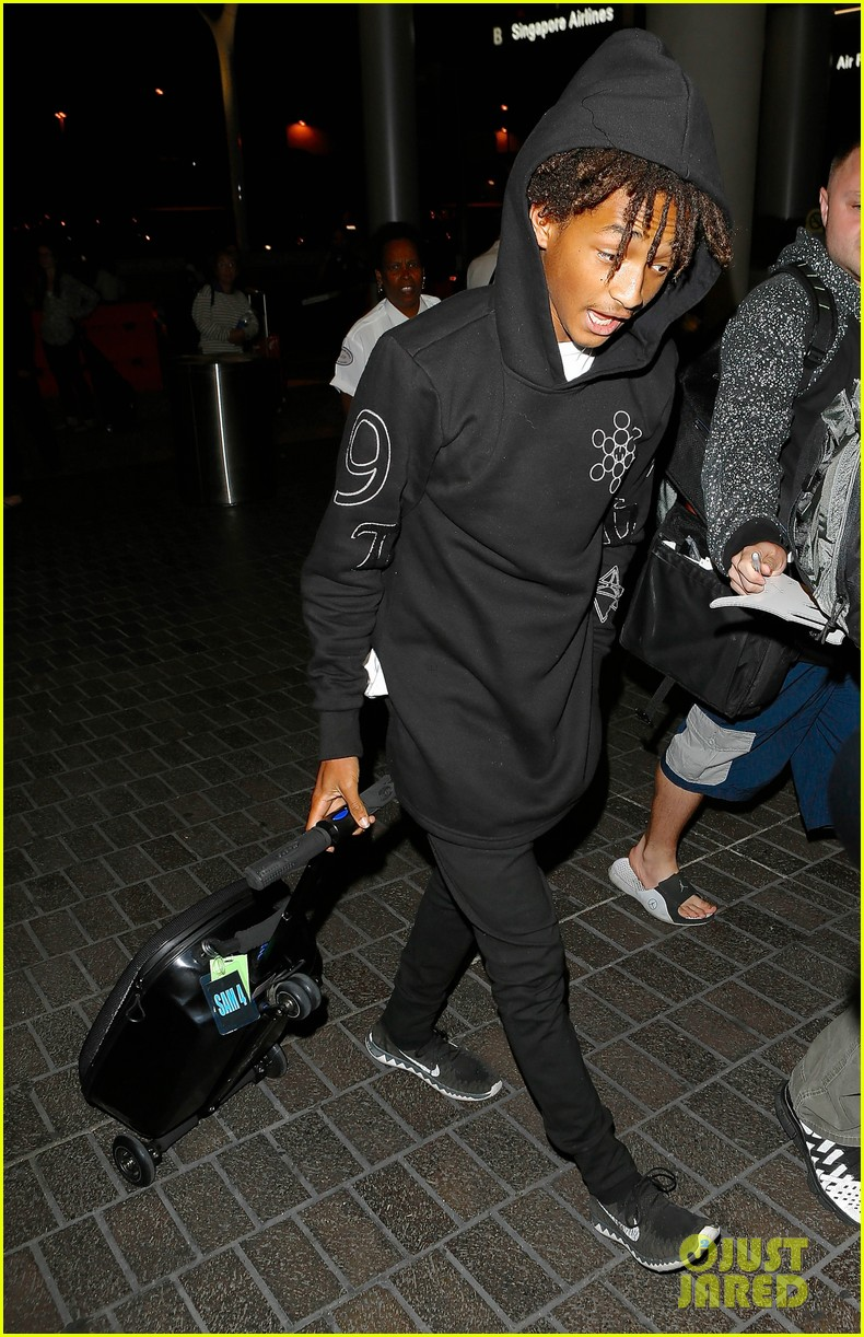 jaden smith flies out of town 053120486