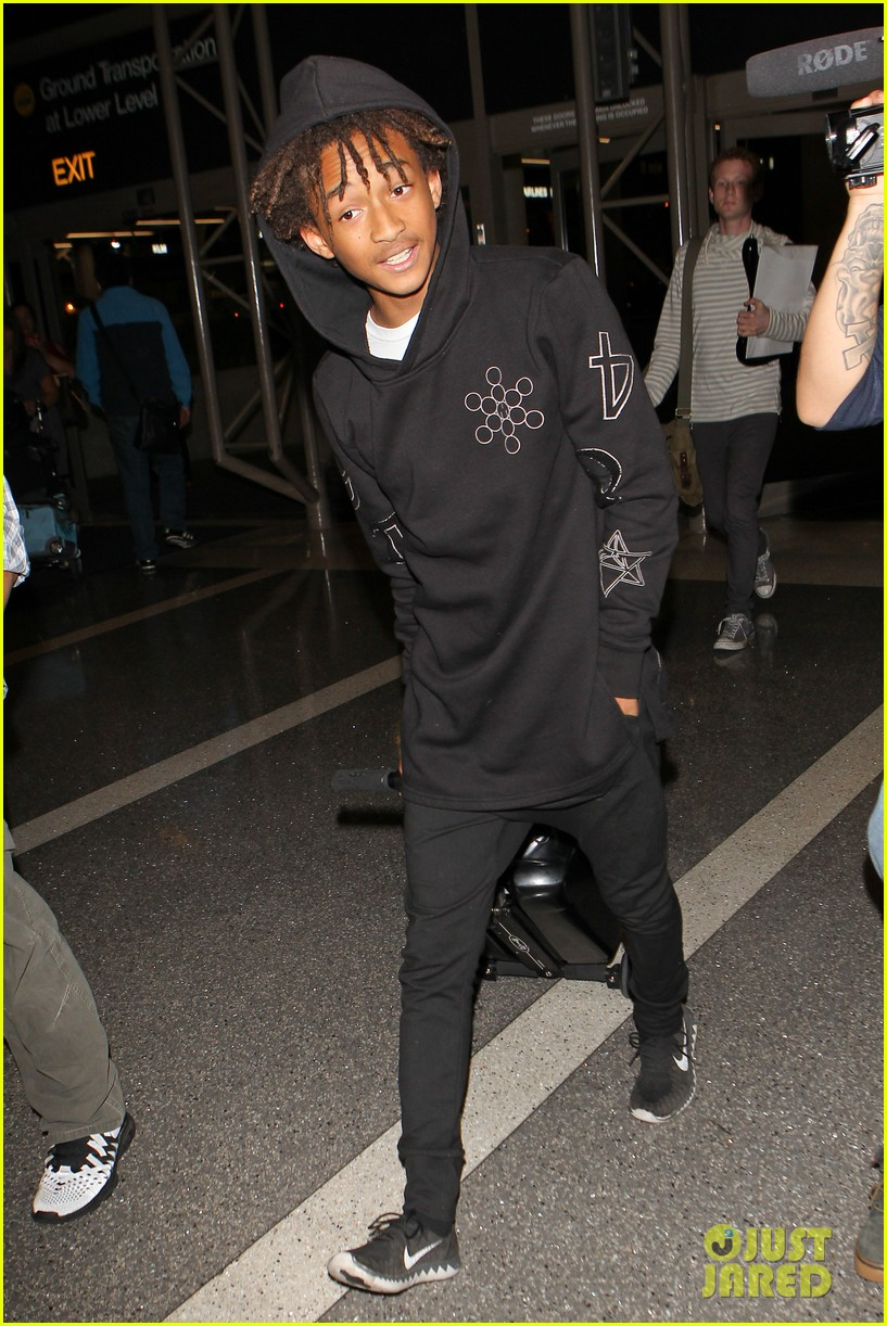 jaden smith flies out of town 063120487