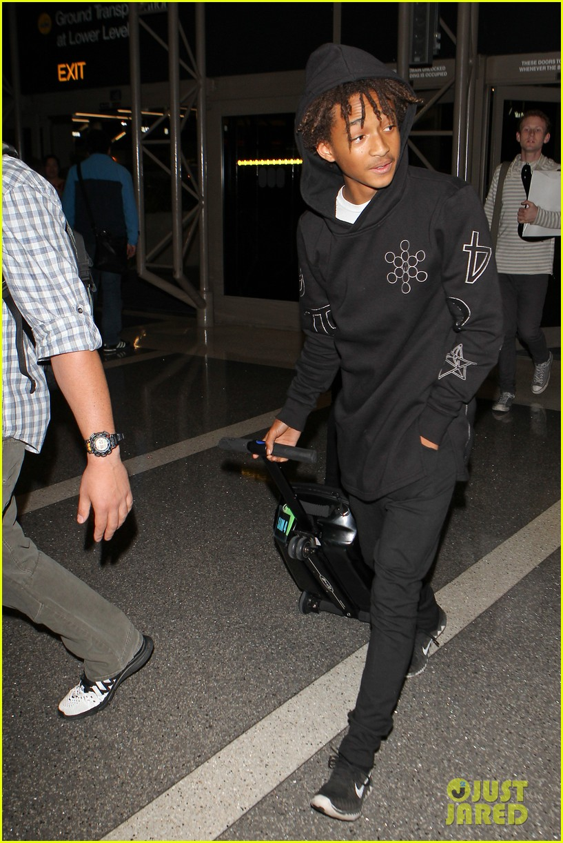 jaden smith flies out of town 073120488