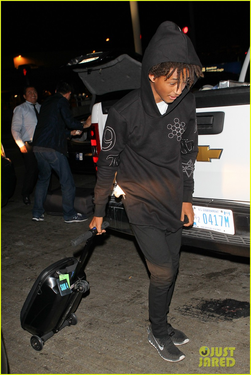 jaden smith flies out of town 093120490