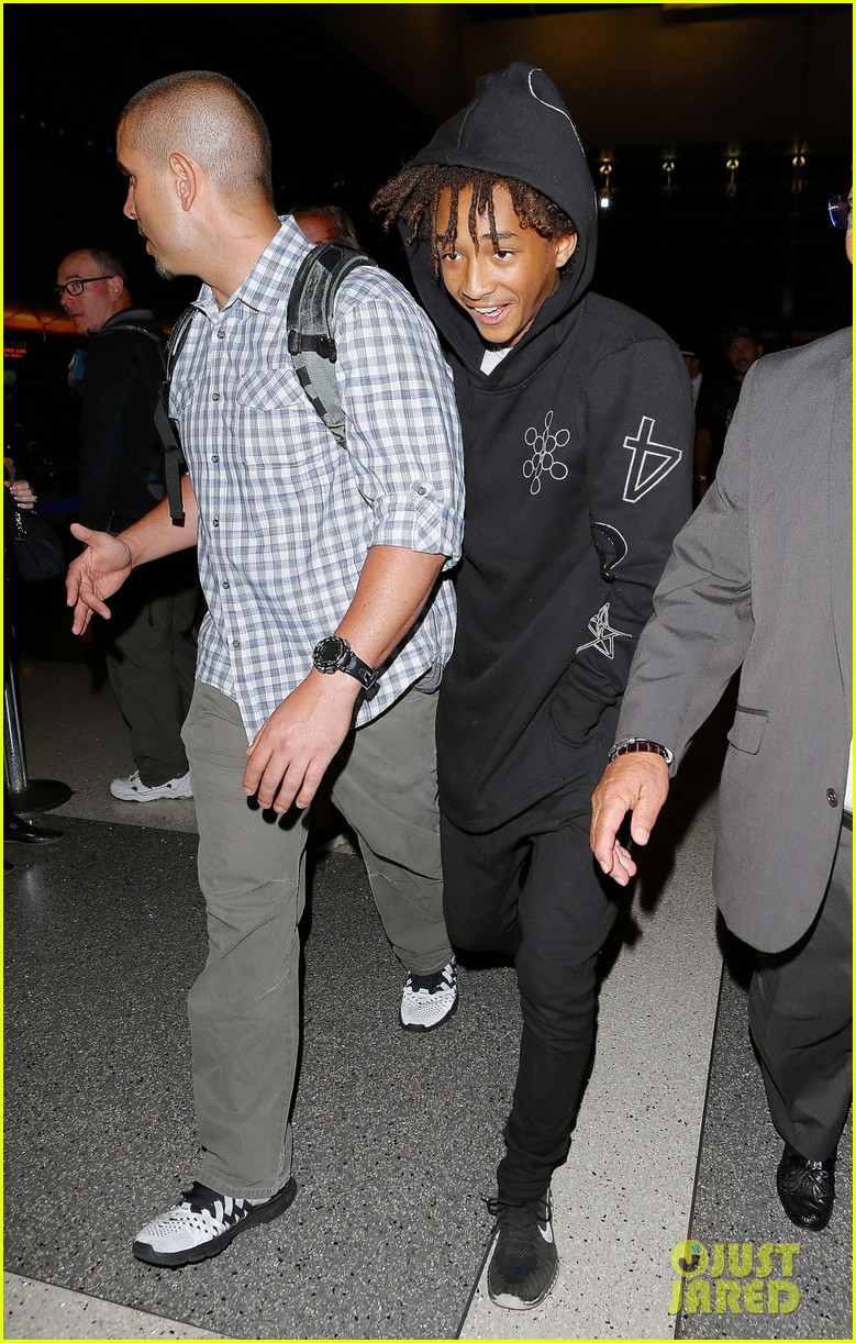 jaden smith flies out of town 133120494