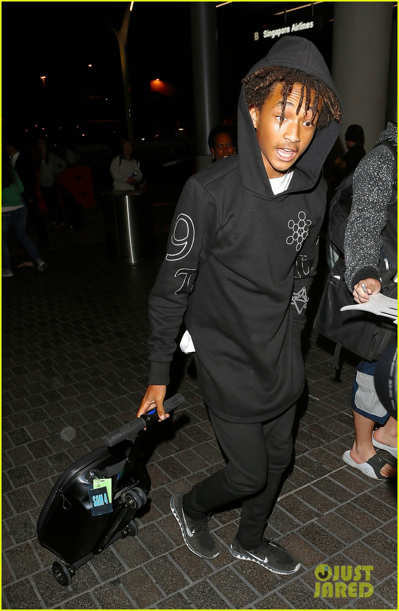 jaden smith flies out of town 183120499