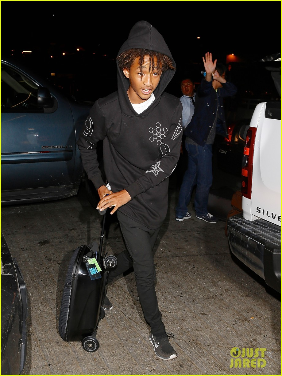 jaden smith flies out of town 233120504