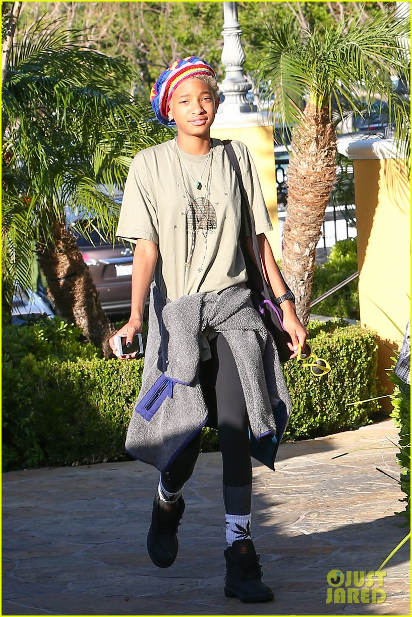 willow smith wears socks with marijuana leaf on the front 013102948