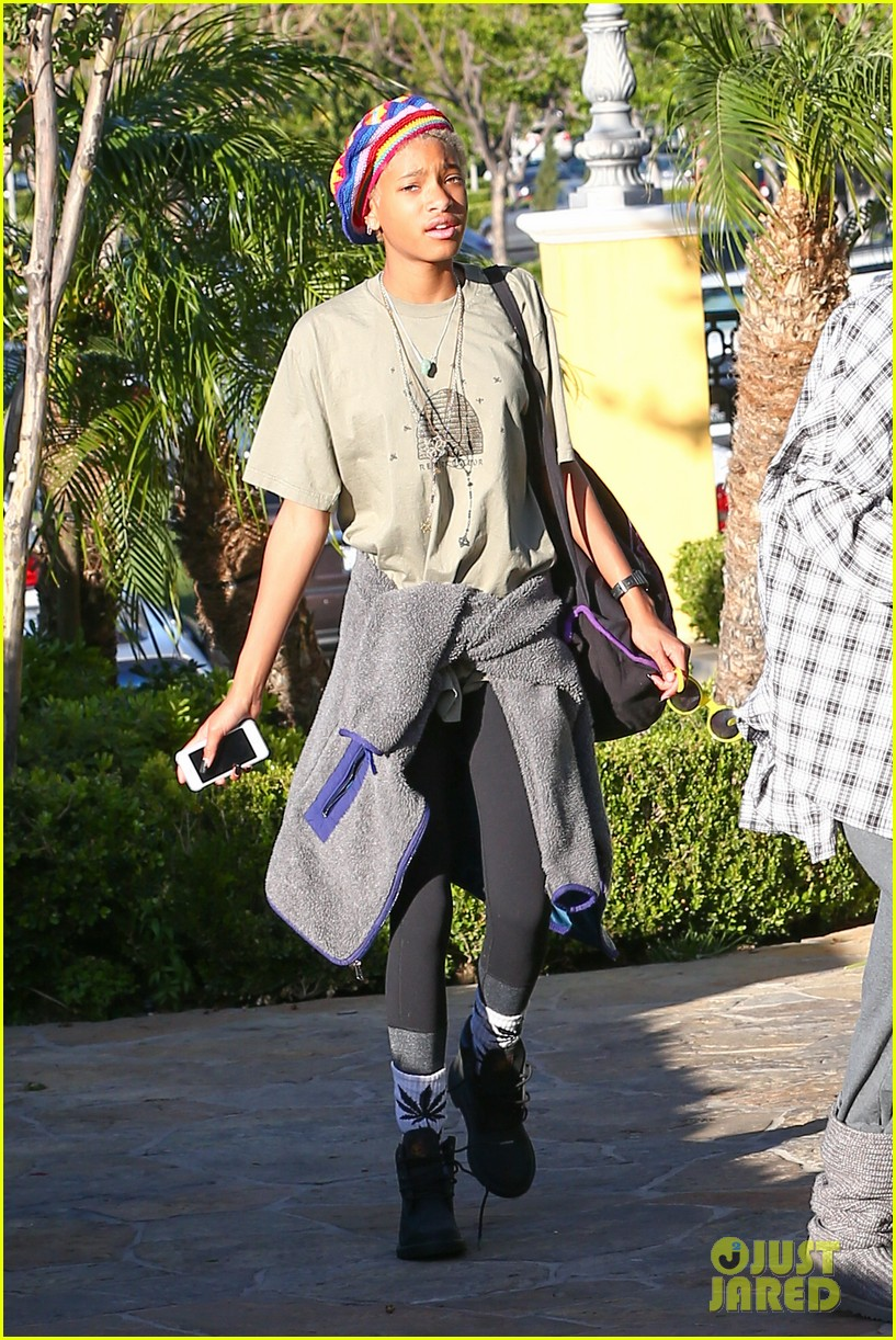 willow smith wears socks with marijuana leaf on the front 043102951