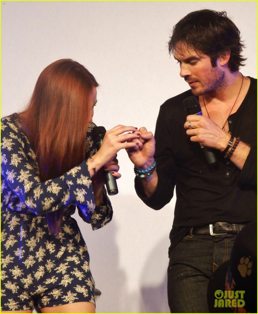 ian somerhalder entertains crowd another day of bloody con 143116064