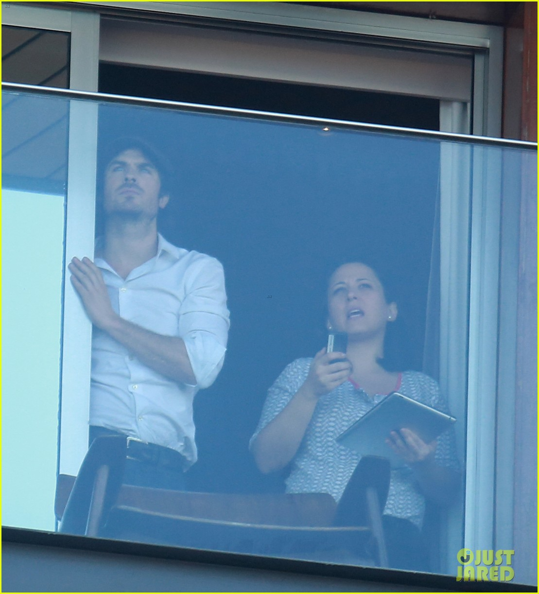 ian somerhalder blows kisses to fans from rio hotel balcony 053125049