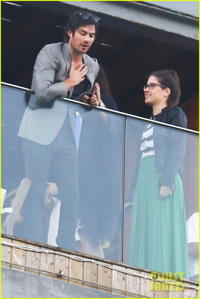 ian somerhalder blows kisses to fans from rio hotel balcony 223125066