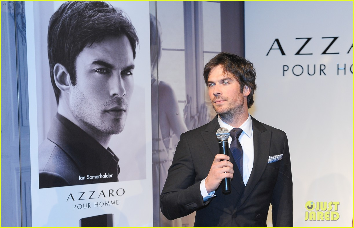 ian somerhalder looks super sexy in his suit and tie 10