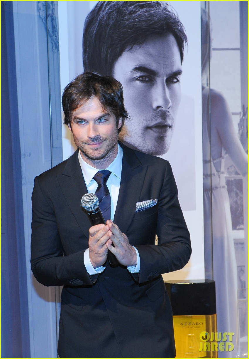 ian somerhalder looks super sexy in his suit and tie 143113769