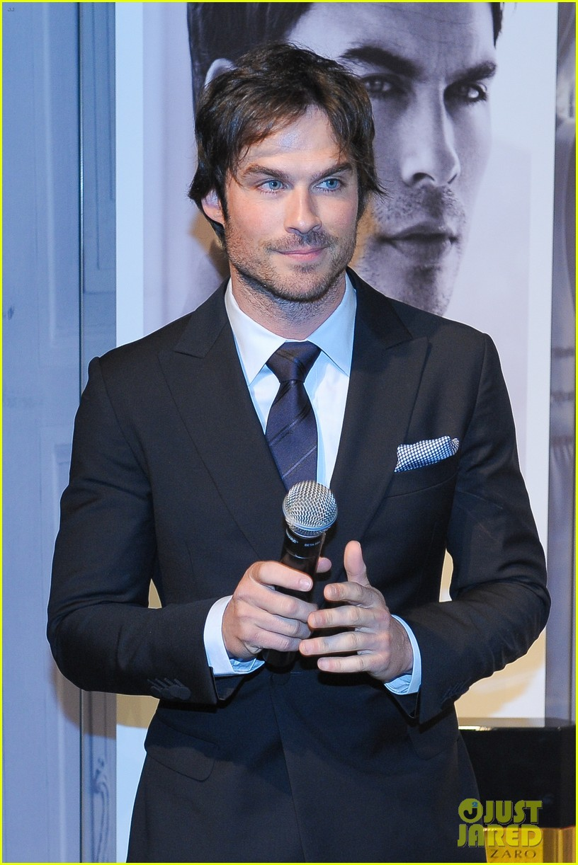 ian somerhalder looks super sexy in his suit and tie 163113771