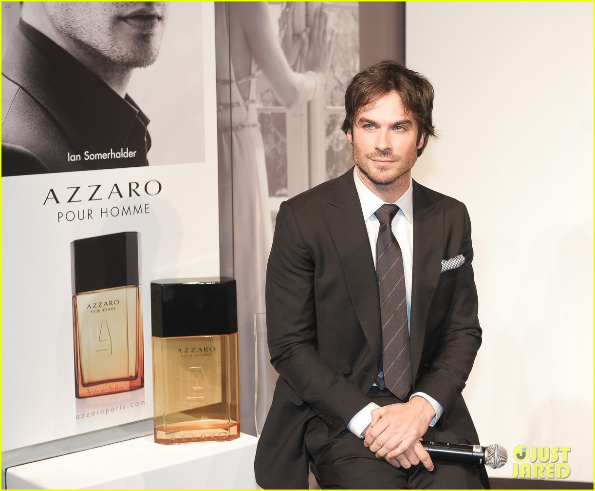 ian somerhalder looks super sexy in his suit and tie 223113777