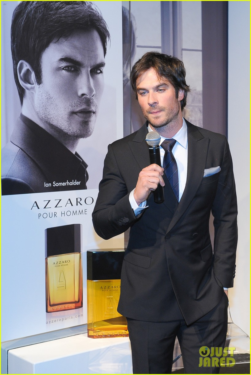ian somerhalder looks super sexy in his suit and tie 283113783