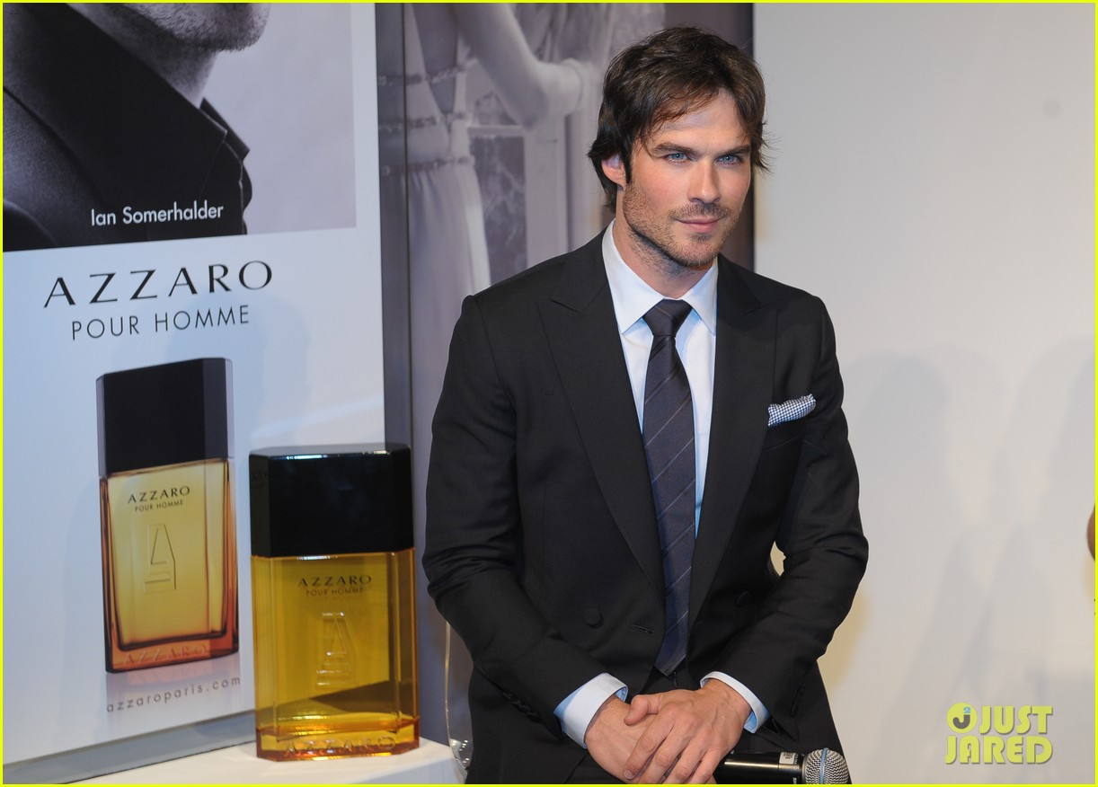 ian somerhalder looks super sexy in his suit and tie 323113787