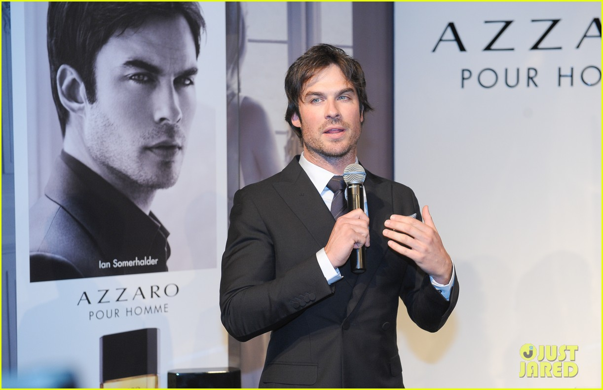 ian somerhalder looks super sexy in his suit and tie 33