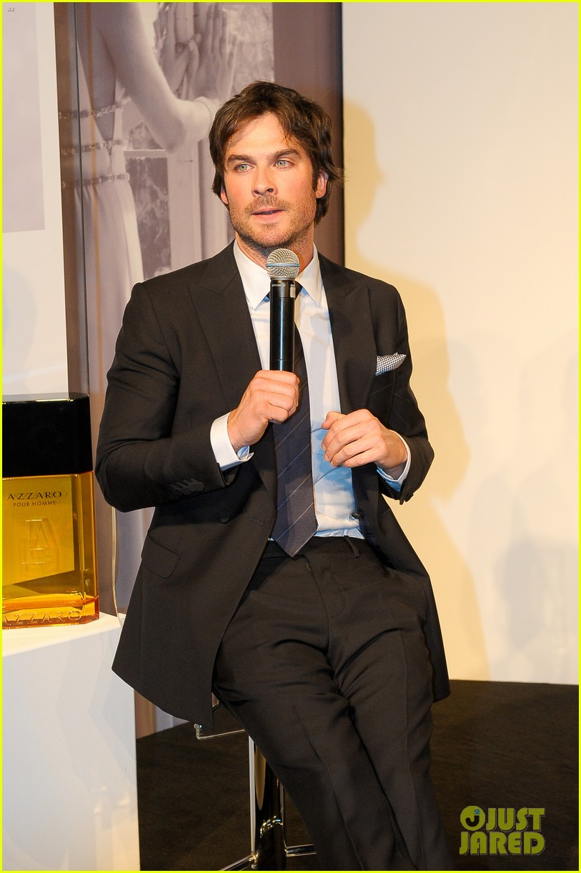 ian somerhalder looks super sexy in his suit and tie 343113789