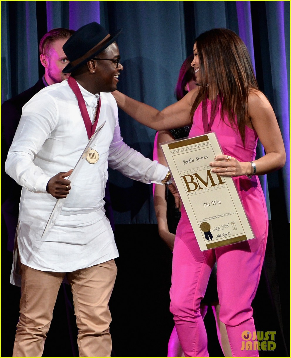 jordin sparks shakira more celebrate on stage at the bmi music awards 2014 053113143