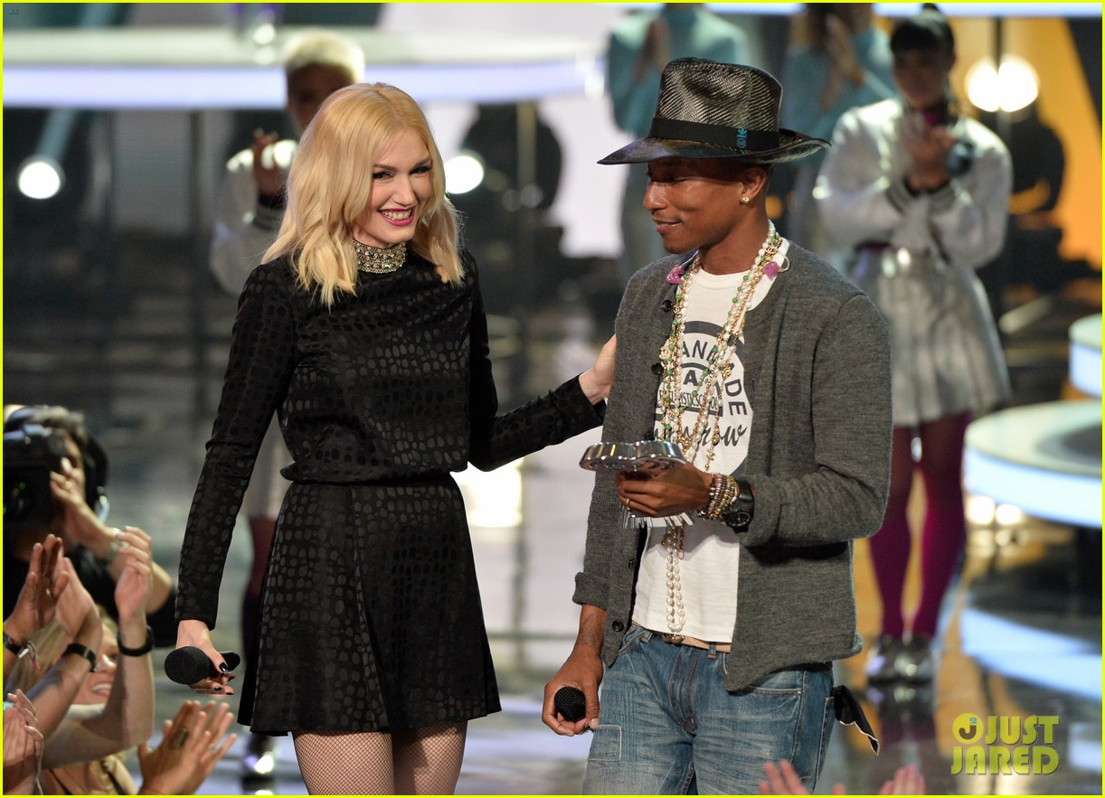 gwen stefani iheartradio music awards 2014 093103637