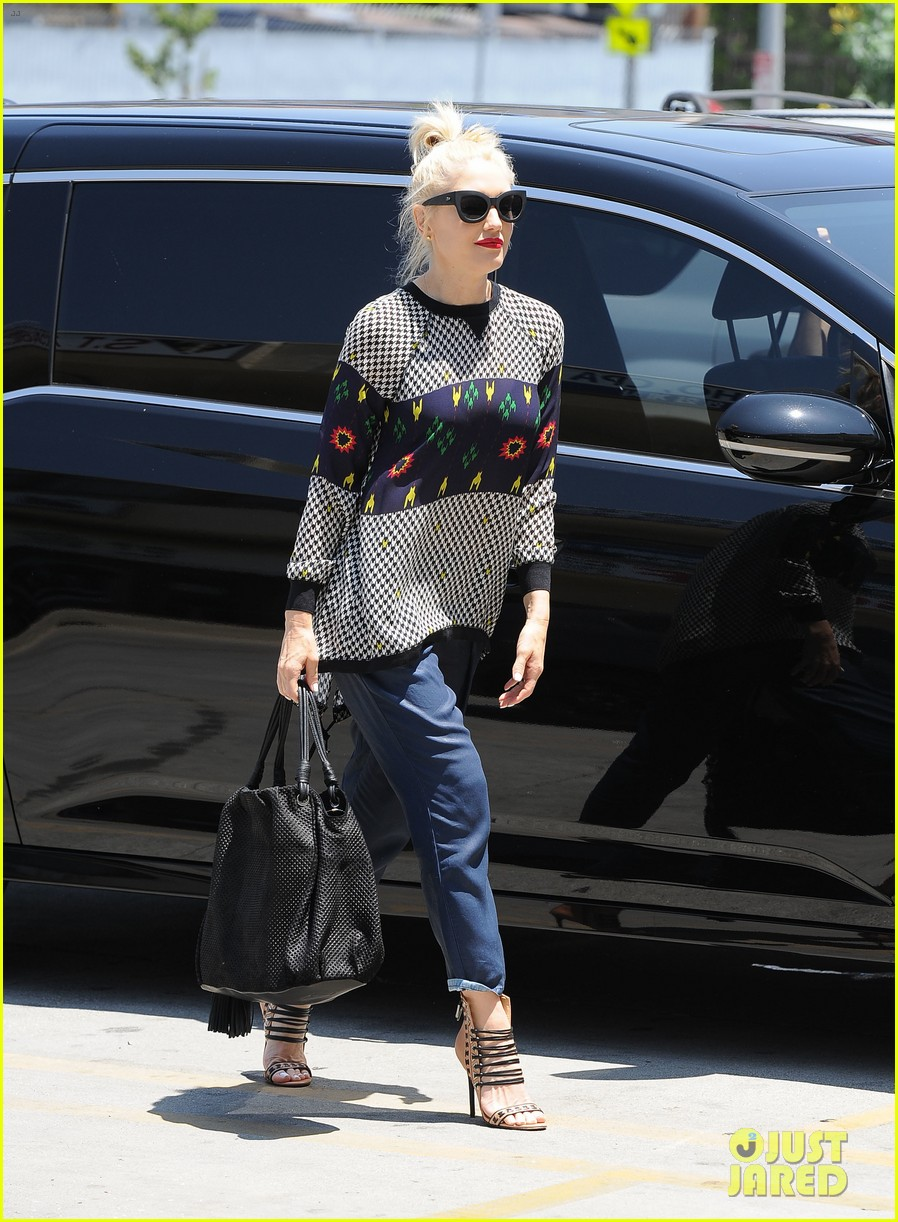 gwen stefani was a score for the voice 073124267