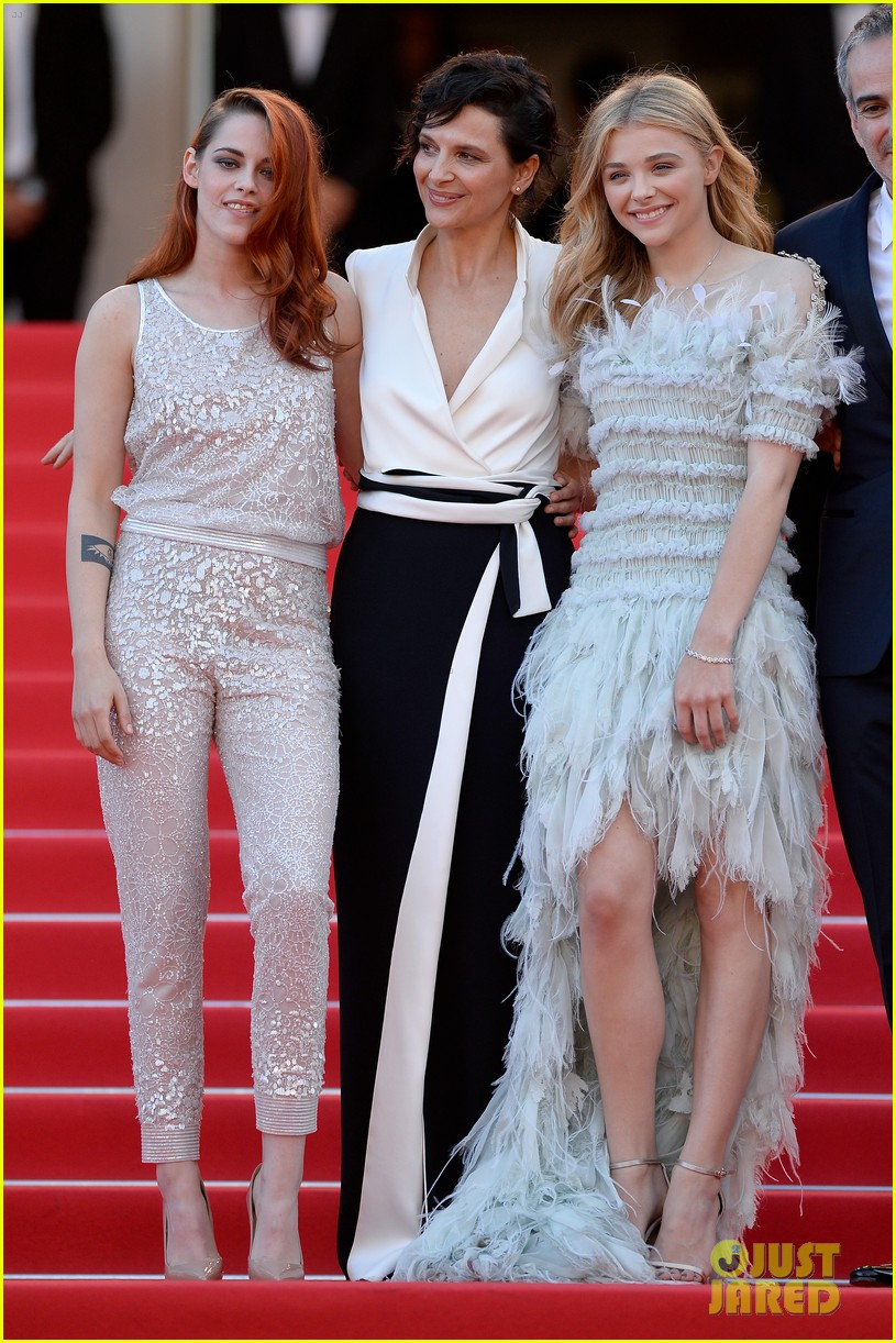 kristen stewart chloe moretz are chanel chic at cannes sils maria premiere 013120585