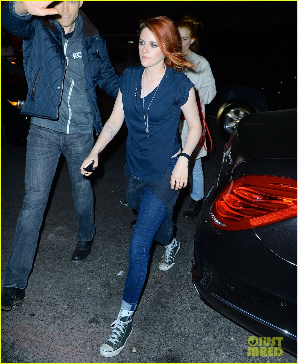 kristen stewart goes casual with riley keough at met ball 2014 after party 023106743