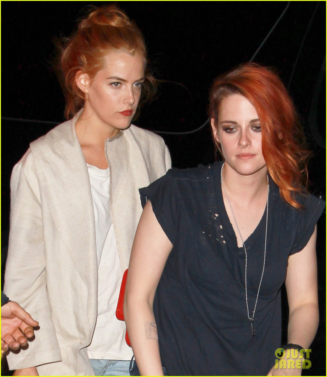 kristen stewart goes casual with riley keough at met ball 2014 after party 033106744