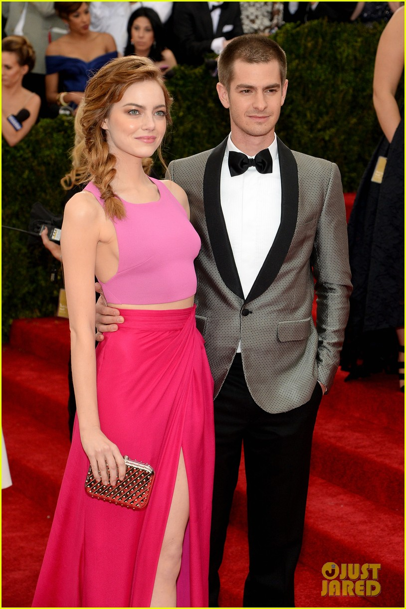 andrew garfield only has eyes for emma stone at met ball 2014 013106144