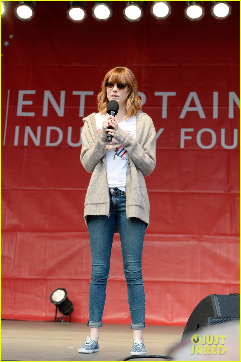 emma stone revlon run walk for women 05