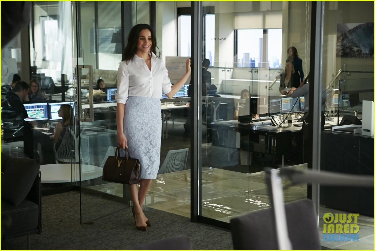 suits season 4 premiere photos exclusive mike new job 04