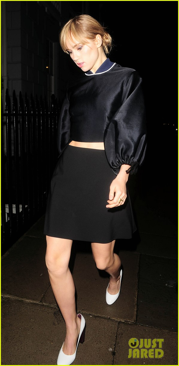 cara delevingne suki waterhouse look so glamorous for night out 033103835