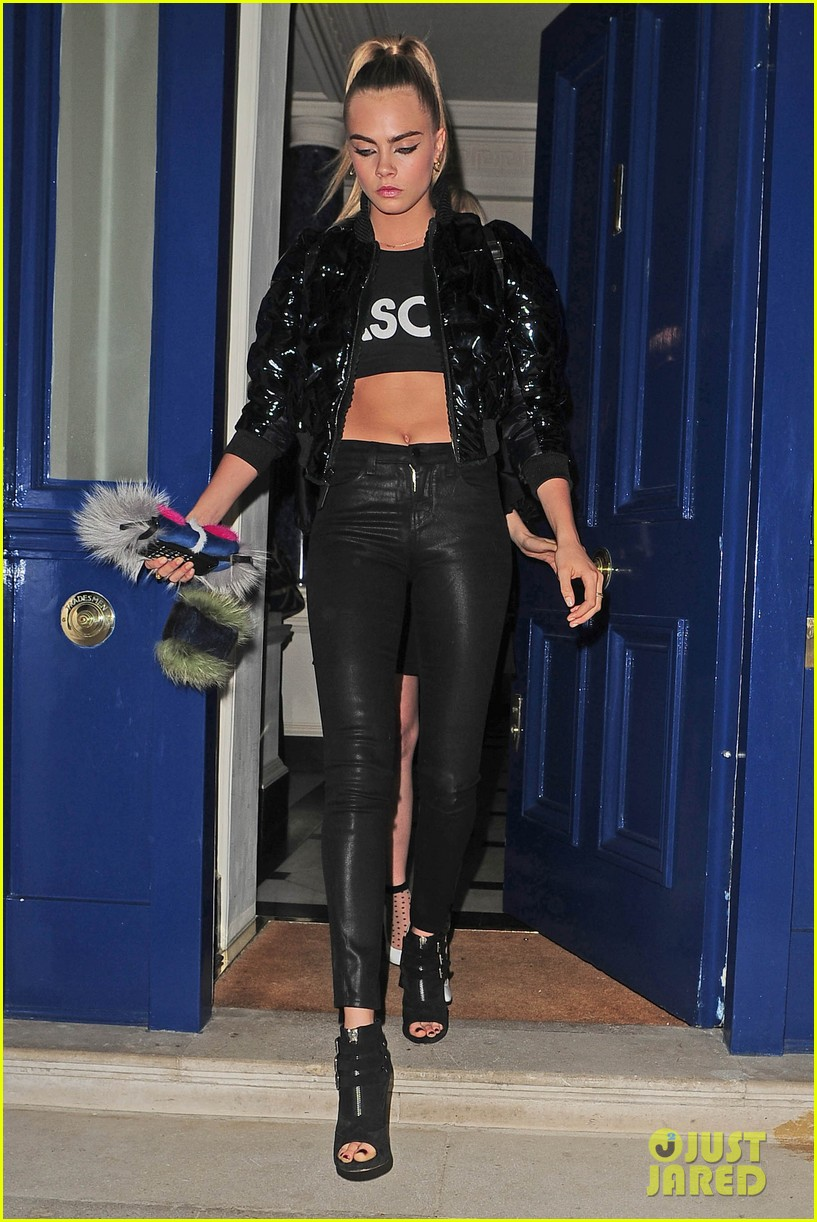 cara delevingne suki waterhouse look so glamorous for night out 133103845