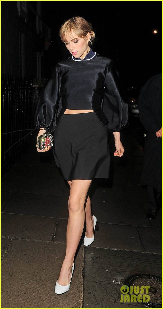 cara delevingne suki waterhouse look so glamorous for night out 183103850