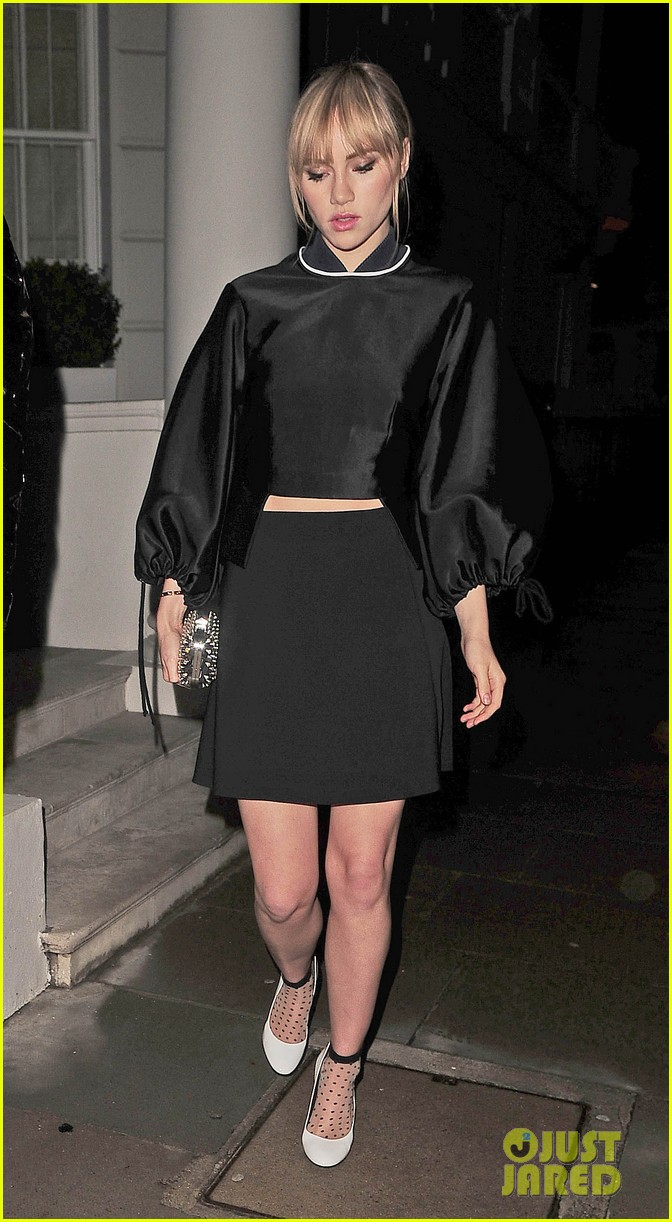 cara delevingne suki waterhouse look so glamorous for night out 203103852