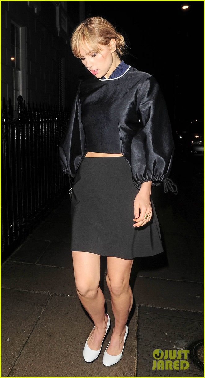 cara delevingne suki waterhouse look so glamorous for night out 223103854