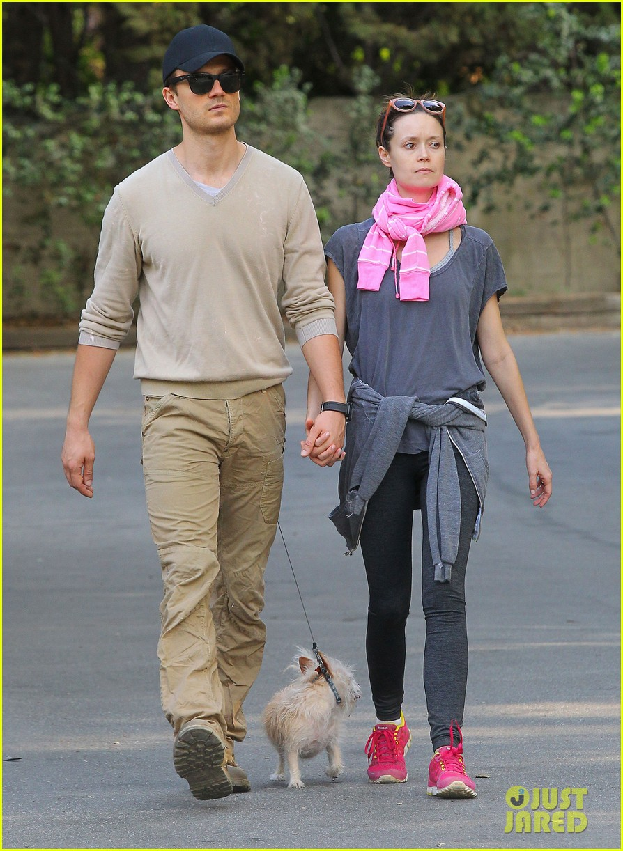 summer glau boyfriend hold hands 073120715