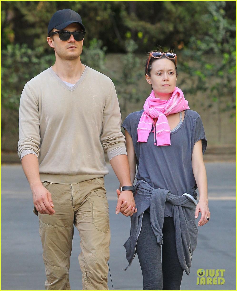 summer glau boyfriend hold hands 093120717
