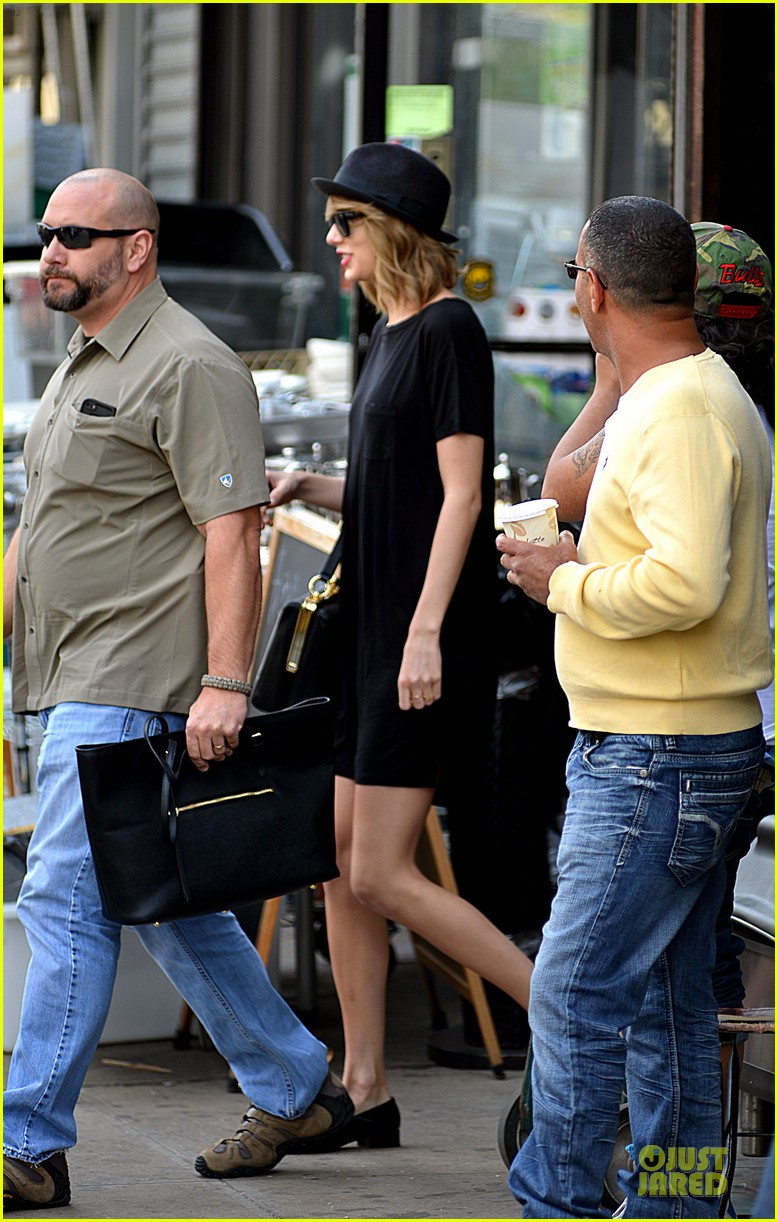 taylor swift blackout after met ball 013107237