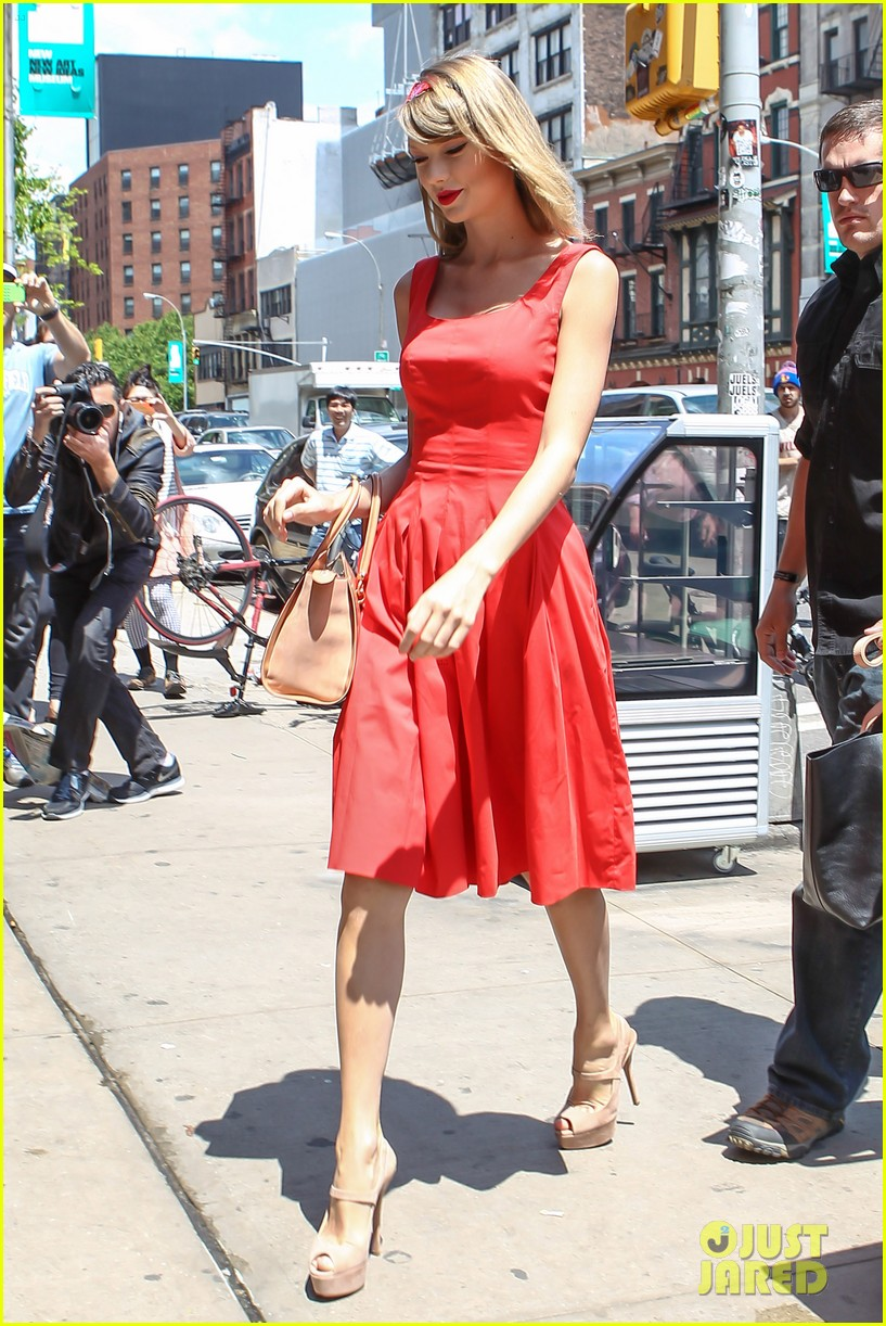 taylor swift red dress meredith met gown 053117475