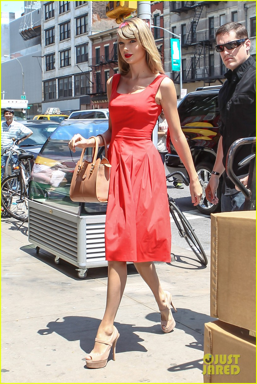taylor swift red dress meredith met gown 103117480