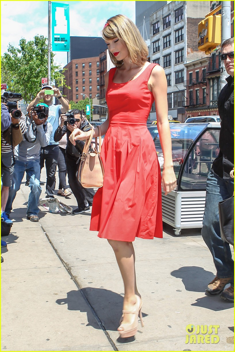 taylor swift red dress meredith met gown 113117481