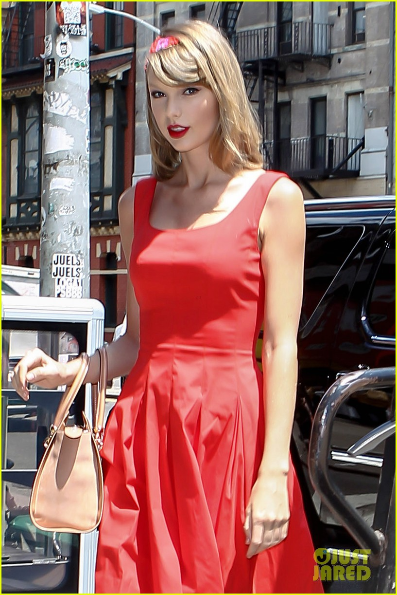 taylor swift red dress meredith met gown 143117484
