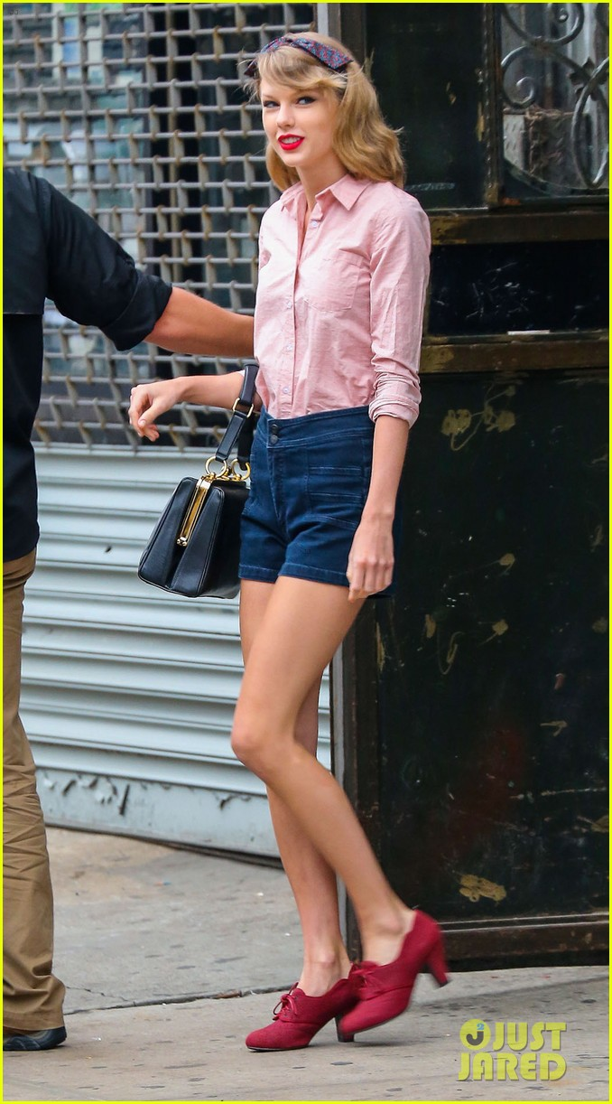 taylor swift works on her fitness with her brother austin 063114806